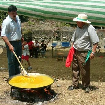 A small paella at the Almachar Romeria